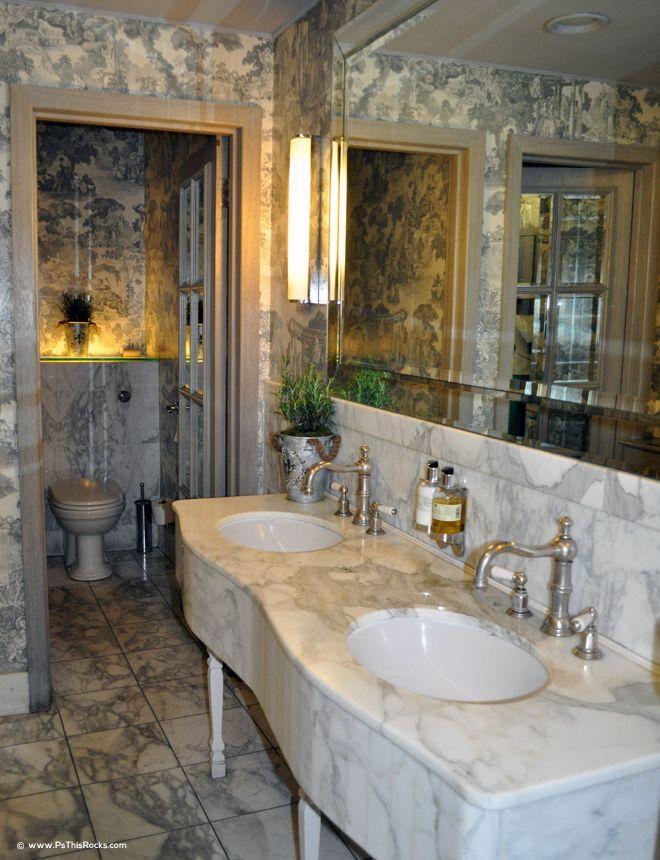 Clos Maggiore bathrooms
