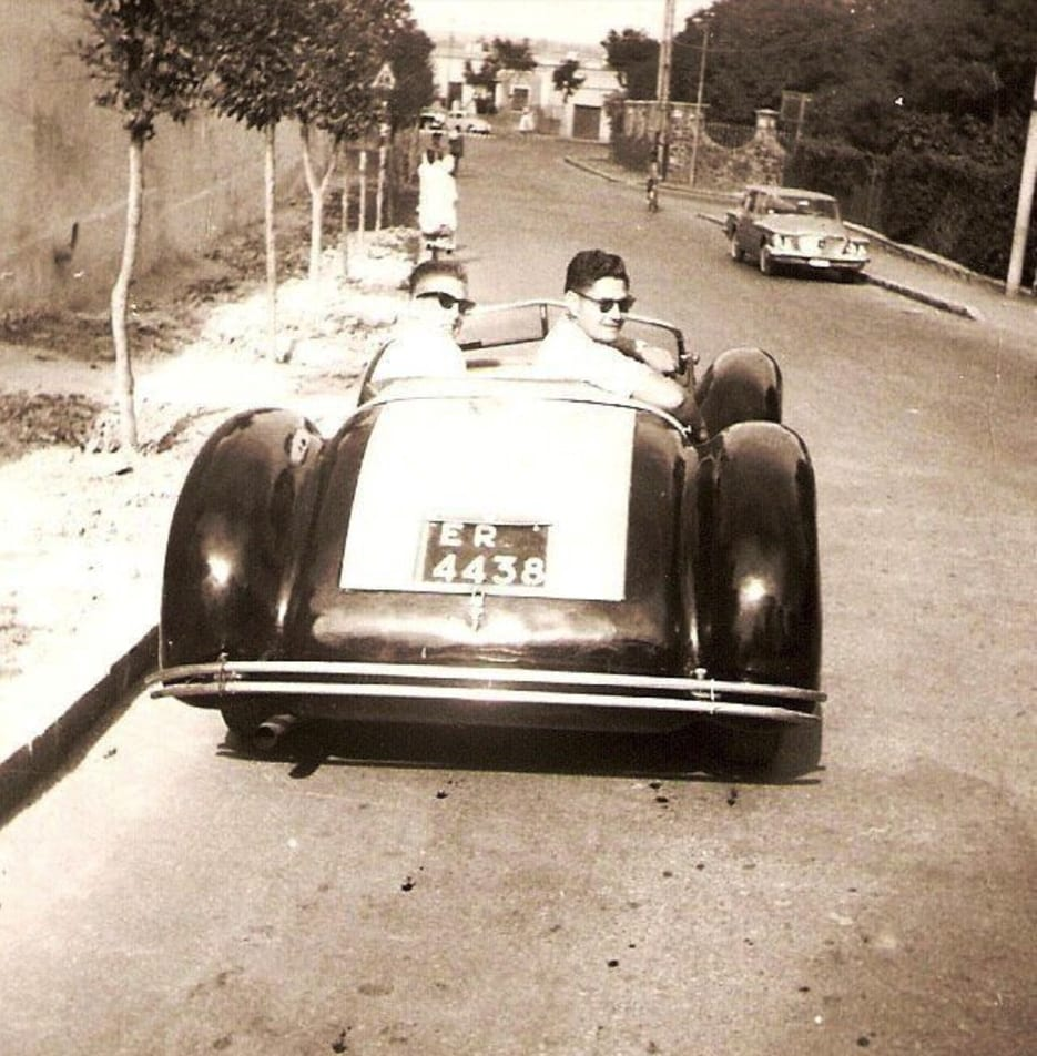 an Alfa Romeo that had an aluminum body and had been handmade for Mussolini, antique cars, antique car collection, retro cars