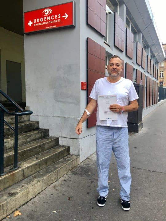 Boyd In Front of Paris Emergency Room, Paris Travel Advice, Must Know Travel Tips from Couples Travel Bloggers, Best Travel Bloggers, Couples Travel Bloggers
