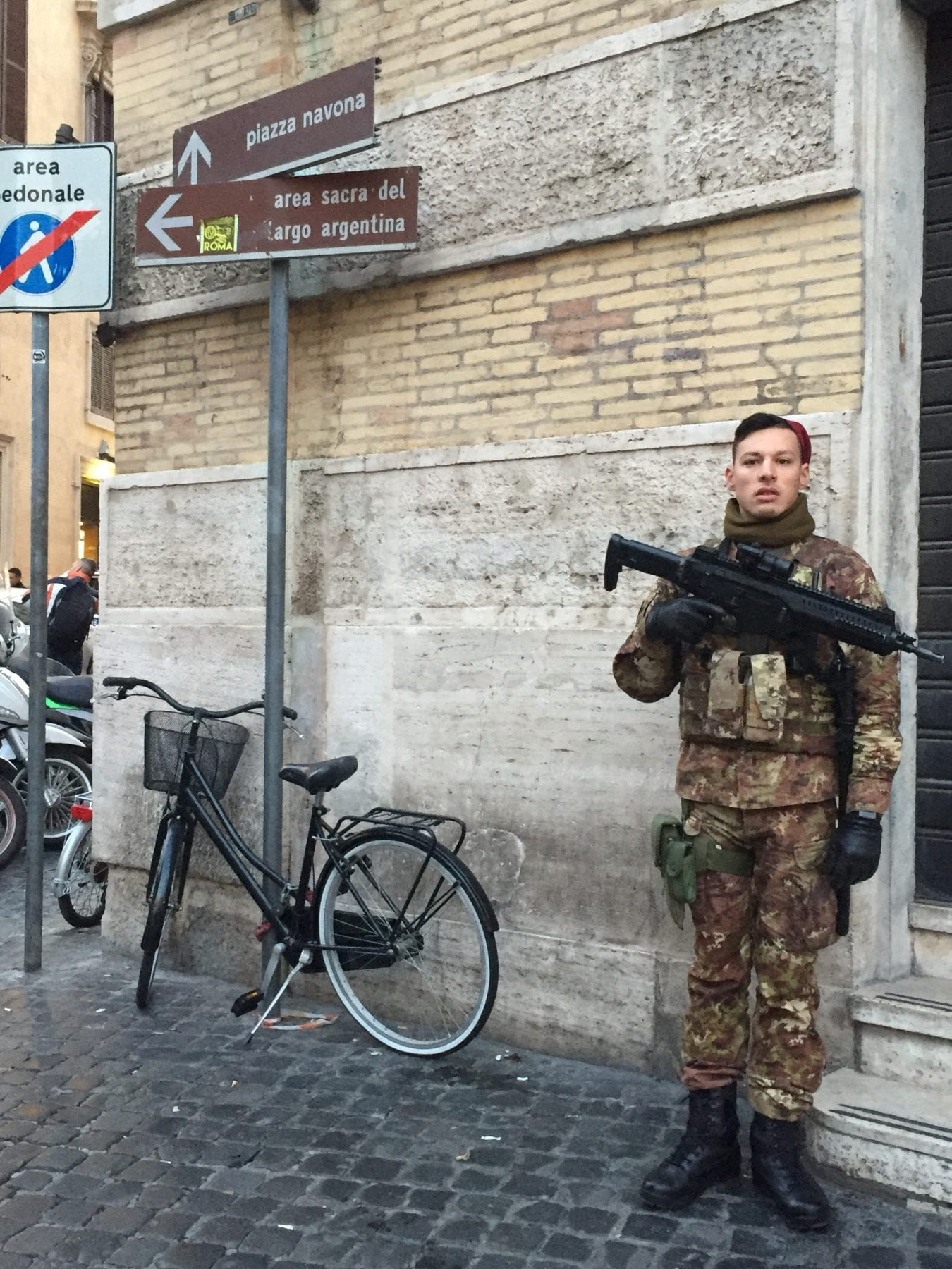 robbed thieves Rome, Italy, My Rendezvous With A Thief In Rome, Italy + How The Italian Police Responded
