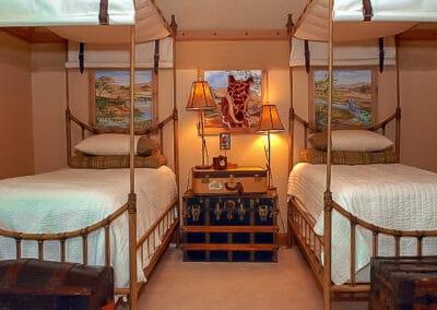 11 Ways To Design A Sophisticated Safari Adventure  Bedroom | Boys Room Ideas